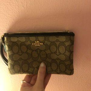 NEW Coach zip wallet